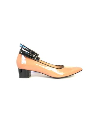 Kari C. Becca Blush Nude Patent Leather Pump