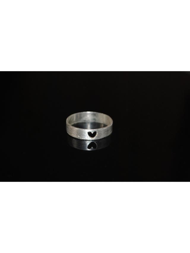 Kemi Designs Simple HeartBeat ring