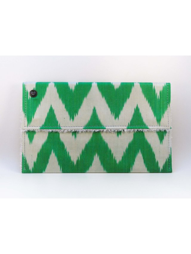 casemylove 11inchLove from Green Ikat