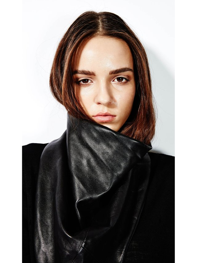 Devlyn van Loon Cowl Scarf - Leather