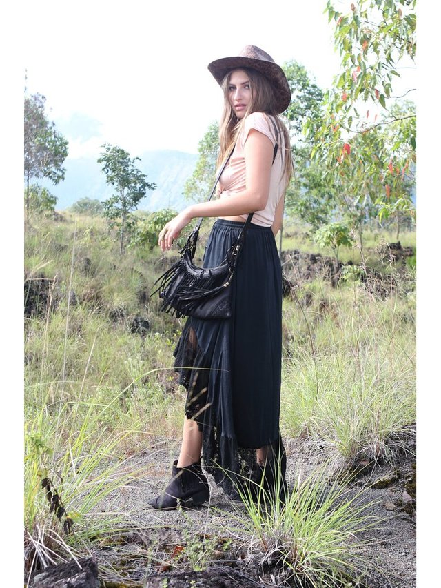 Tulle & Batiste Belle Tassel Purse Black