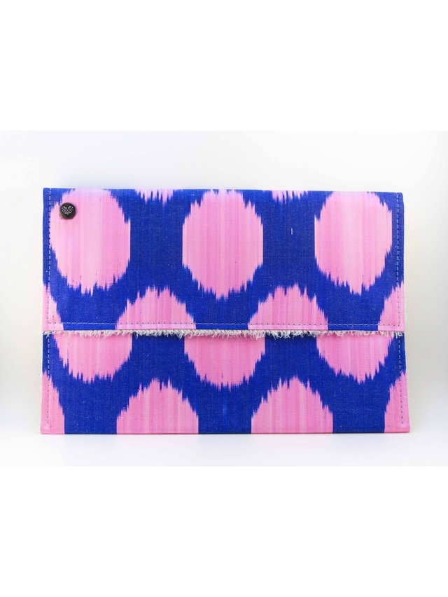 casemylove 13inchLove from Pink Ikat