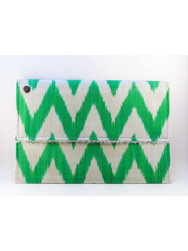 casemylove 13inchLove from Green Ikat