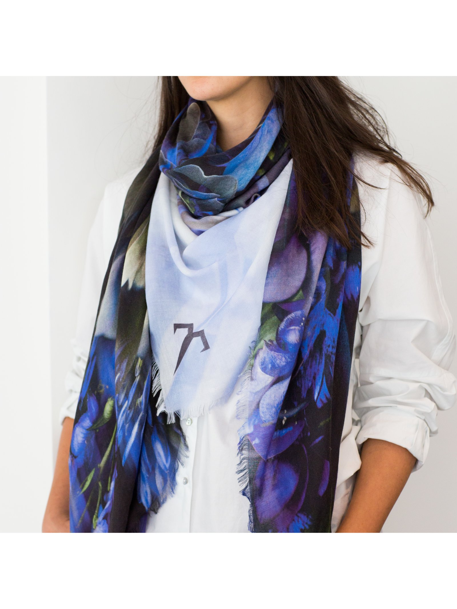ternary London GRAPHIC CUT LUXURY CASHMERE SCARF