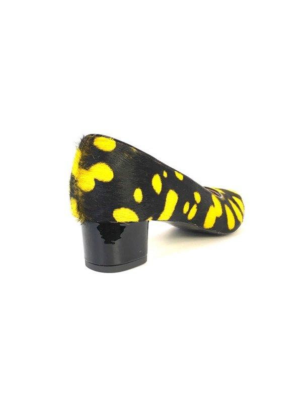 Kari C. Becca Bumblebee Pony Skin Pump